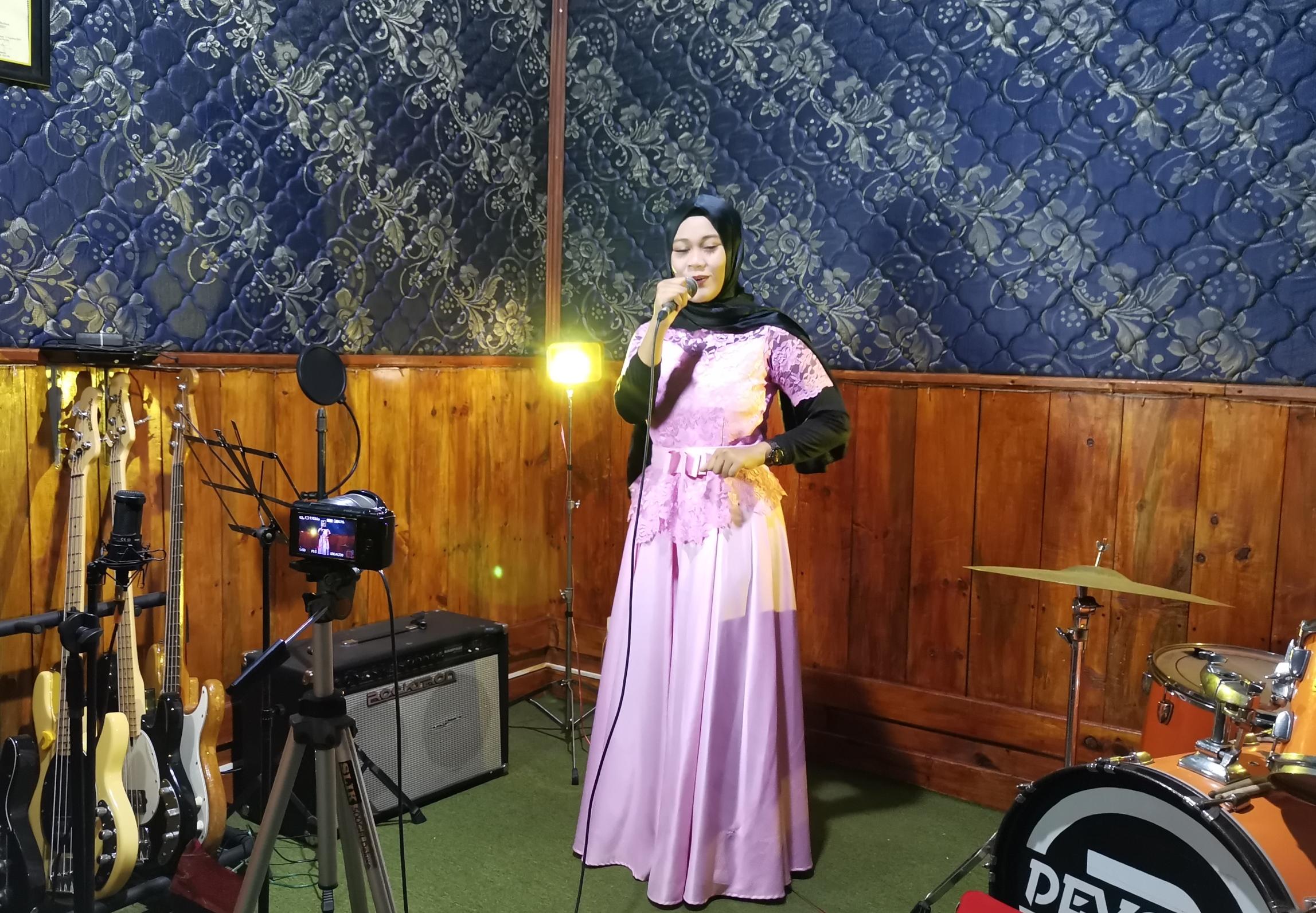 Rizqi Nurbaningtias rekaman untuk FLS2N
